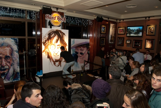 Tachi Pinta a John Lennon en Hard Rock Cafe Madrid-06