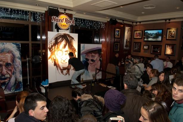 Tachi Pinta a John Lennon en Hard Rock Cafe Madrid-06