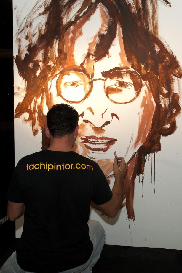 Tachi Pinta a John Lennon en Hard Rock Cafe Madrid-07