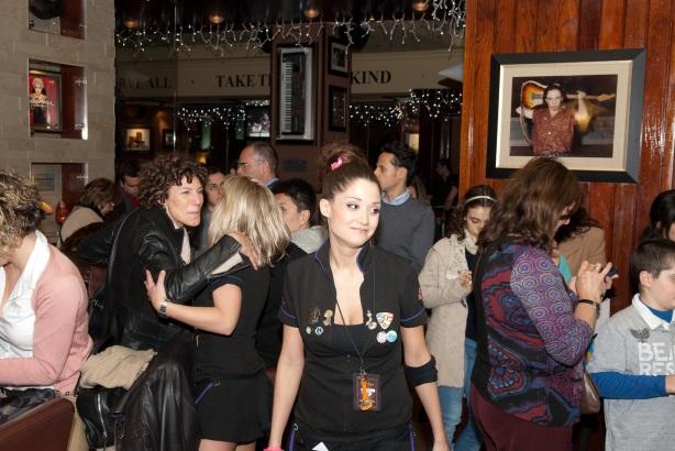 Tachi Pinta a John Lennon en Hard Rock Cafe Madrid-13