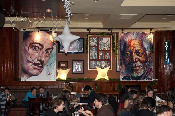 Tachi Pinta a John Lennon en Hard Rock Cafe Madrid-15