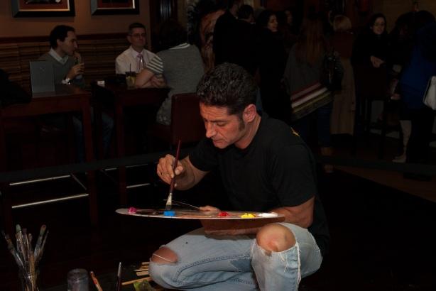 Tachi Pinta a John Lennon en Hard Rock Cafe Madrid-19