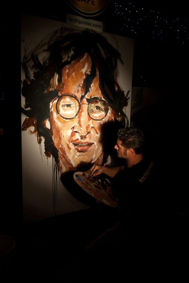 Tachi Pinta a John Lennon en Hard Rock Cafe Madrid-20