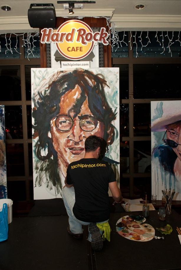 Tachi Pinta a John Lennon en Hard Rock Cafe Madrid-23