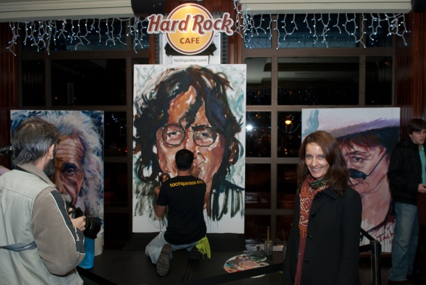 Tachi Pinta a John Lennon en Hard Rock Cafe Madrid-26