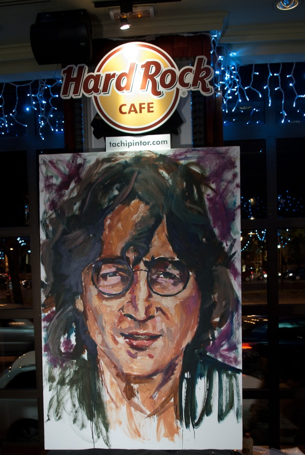 Tachi Pinta a John Lennon en Hard Rock Cafe Madrid-28