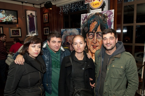 Tachi Pinta a John Lennon en Hard Rock Cafe Madrid-33