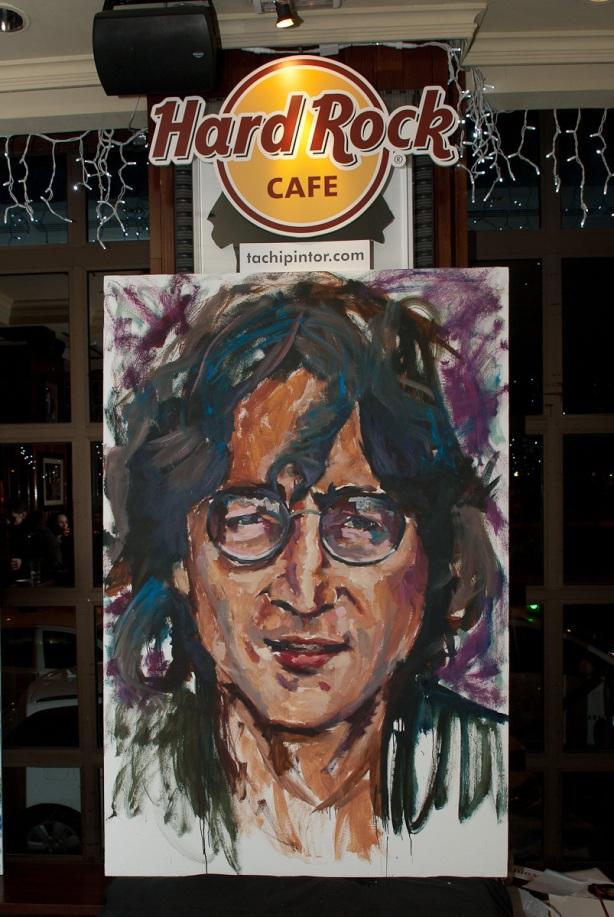 Tachi Pinta a John Lennon en Hard Rock Cafe Madrid-35