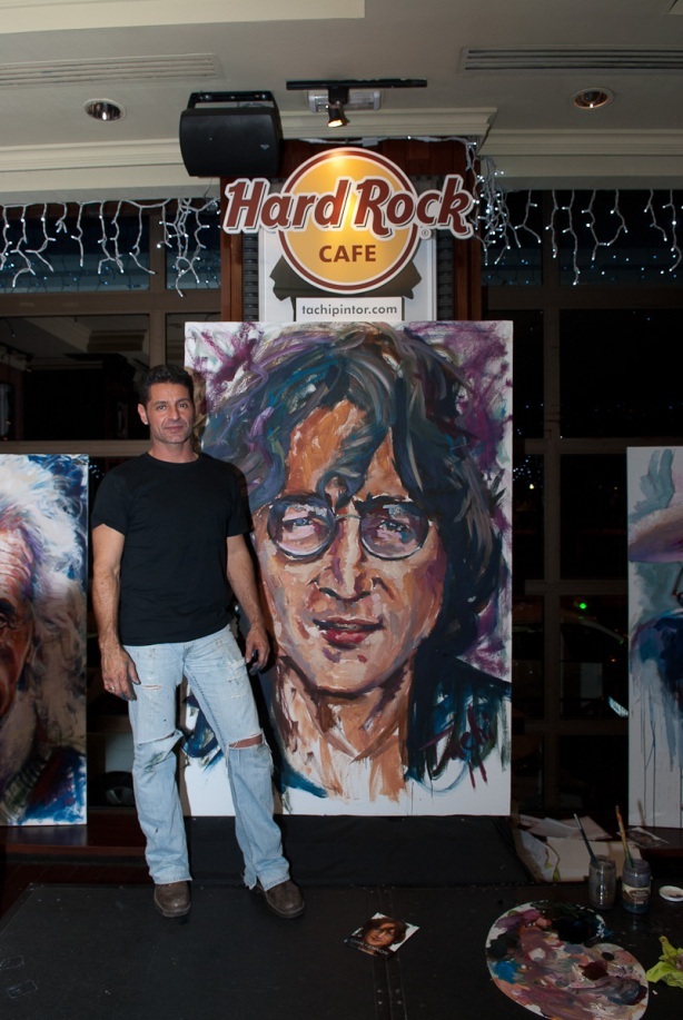 Tachi Pinta a John Lennon en Hard Rock Cafe Madrid-37