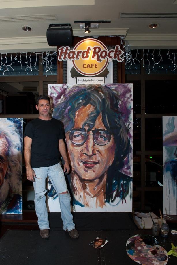 Tachi Pinta a John Lennon en Hard Rock Cafe Madrid-37